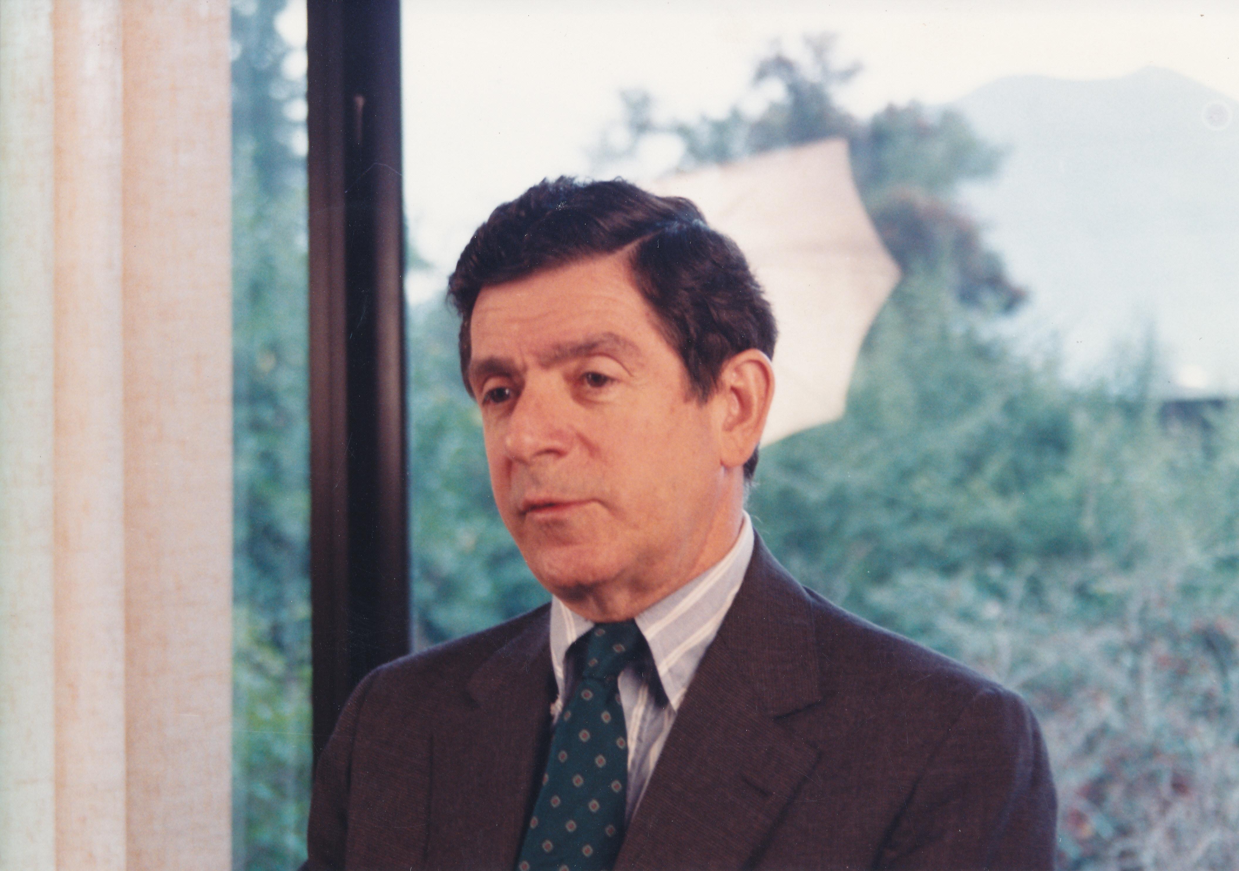 Retrato Del Secretario Ejecutivo De La Cepal Gert Rosenthal
